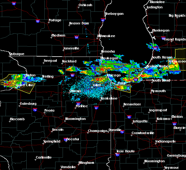 Radar Image for Severe Thunderstorms near Evanston, IL at 4/7/2020 8:26 PM CDT