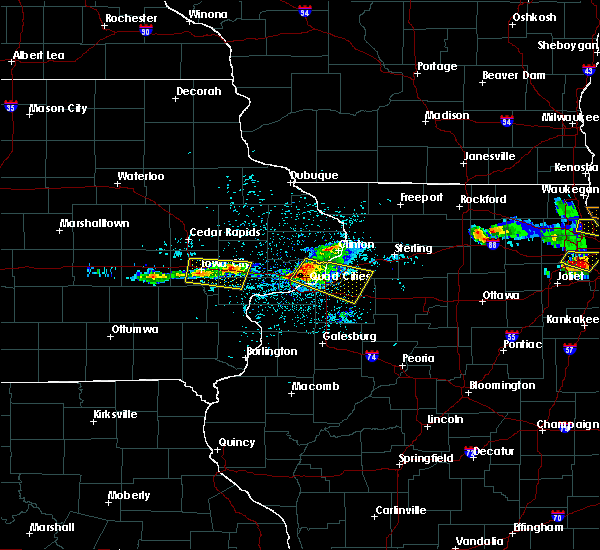 Radar Image for Severe Thunderstorms near Cleveland, IL at 4/7/2020 8:35 PM CDT