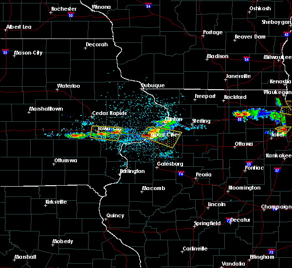 Radar Image for Severe Thunderstorms near Cleveland, IL at 4/7/2020 8:43 PM CDT
