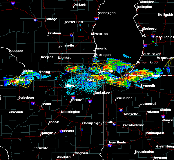 Radar Image for Severe Thunderstorms near Bridgeview, IL at 4/7/2020 8:49 PM CDT