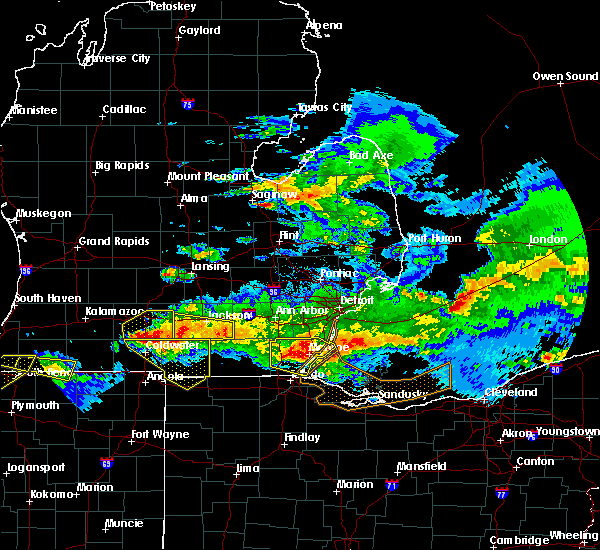 Radar Image for Severe Thunderstorms near Toledo, OH at 4/7/2020 10:12 PM EDT