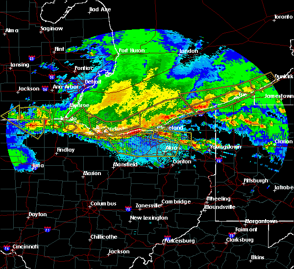 Radar Image for Severe Thunderstorms near South Canal, OH at 4/7/2020 11:15 PM EDT
