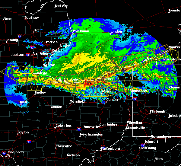 Radar Image for Severe Thunderstorms near Westfield Center, OH at 4/7/2020 11:32 PM EDT
