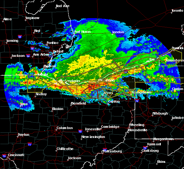 Radar Image for Severe Thunderstorms near South Canal, OH at 4/7/2020 11:41 PM EDT