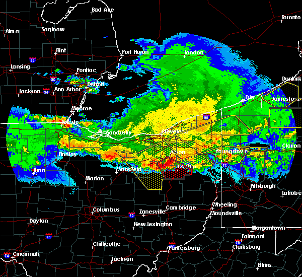 Radar Image for Severe Thunderstorms near Green, OH at 4/8/2020 12:11 AM EDT