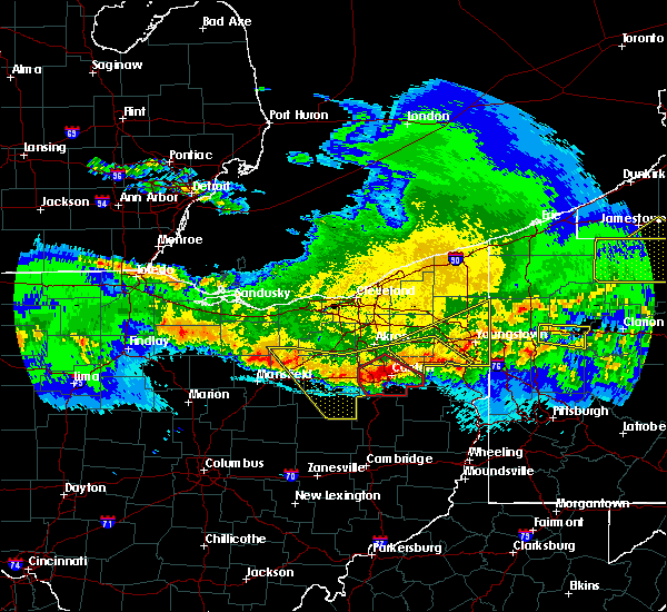 Radar Image for Severe Thunderstorms near Bolivar, OH at 4/8/2020 12:21 AM EDT