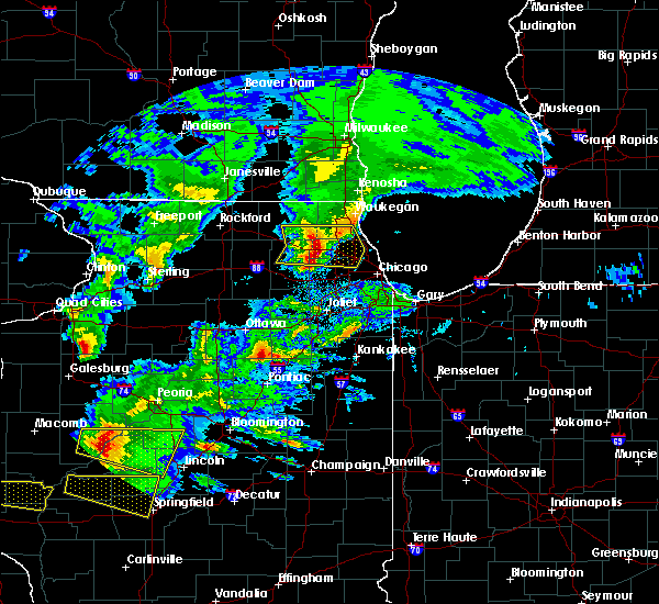 Radar Image for Severe Thunderstorms near Mundelein, IL at 4/8/2020 4:55 PM CDT