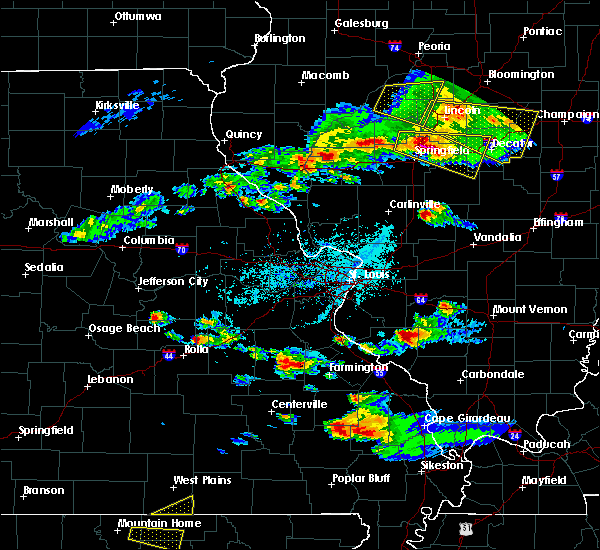Radar Image for Severe Thunderstorms near Sparta, IL at 4/8/2020 5:28 PM CDT
