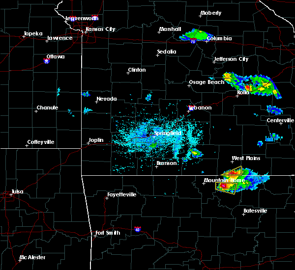 Radar Image for Severe Thunderstorms near Brandsville, MO at 4/8/2020 5:32 PM CDT