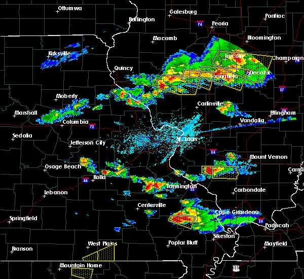 Radar Image for Severe Thunderstorms near Sparta, IL at 4/8/2020 5:37 PM CDT
