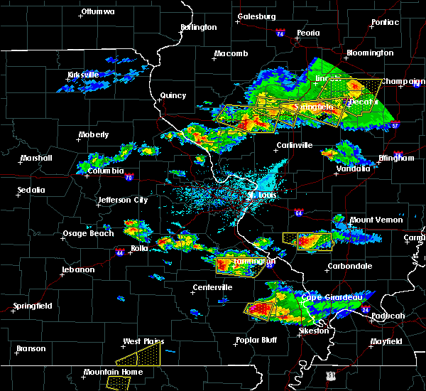Radar Image for Severe Thunderstorms near Farmington, MO at 4/8/2020 5:48 PM CDT