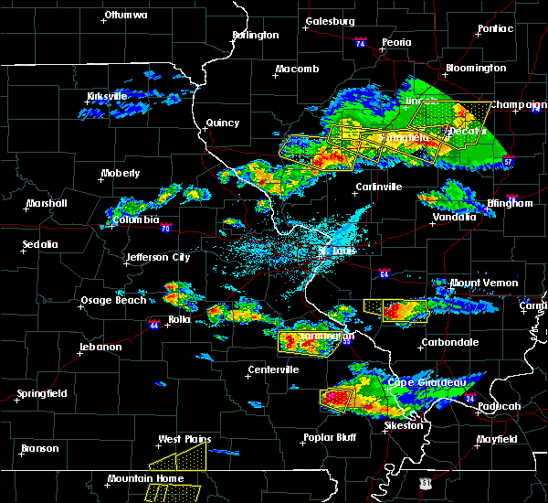 Radar Image for Severe Thunderstorms near Sparta, IL at 4/8/2020 5:56 PM CDT