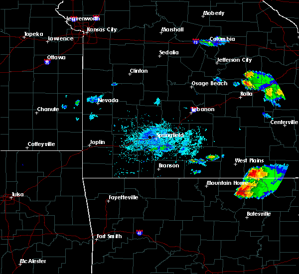 Radar Image for Severe Thunderstorms near Thayer, MO at 4/8/2020 6:00 PM CDT