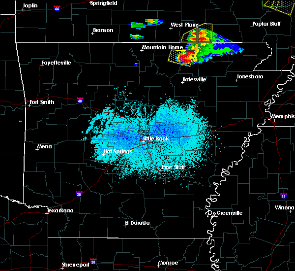 Radar Image for Severe Thunderstorms near Hardy, AR at 4/8/2020 6:11 PM CDT