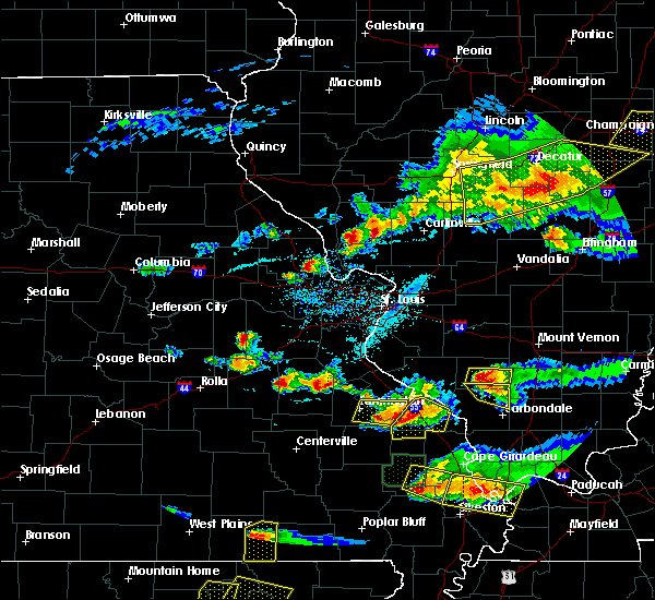 Radar Image for Severe Thunderstorms near Troy, MO at 4/8/2020 6:20 PM CDT
