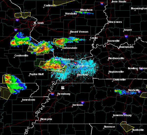 Radar Image for Severe Thunderstorms near Du Quoin, IL at 4/8/2020 6:23 PM CDT
