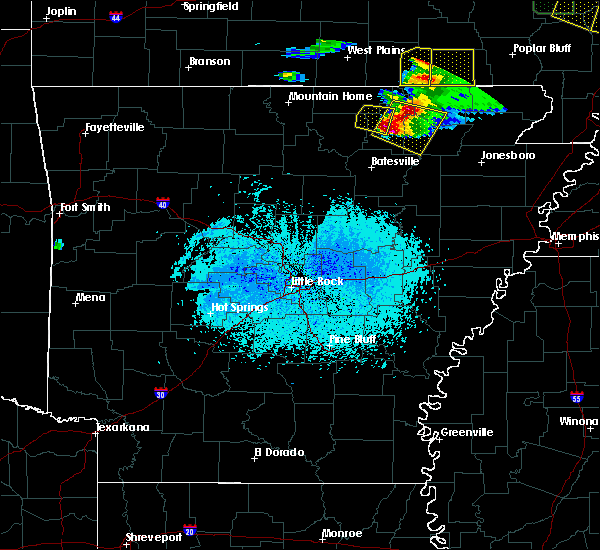 Radar Image for Severe Thunderstorms near Hardy, AR at 4/8/2020 6:27 PM CDT
