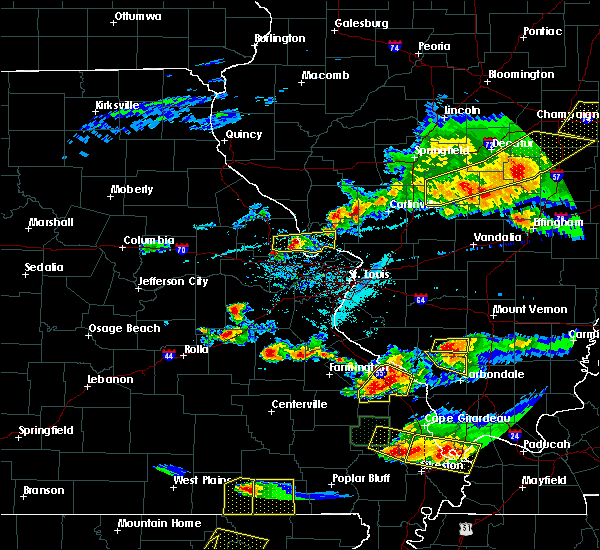 Radar Image for Severe Thunderstorms near Grafton, IL at 4/8/2020 6:28 PM CDT