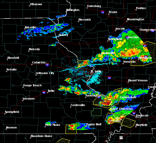 Radar Image for Severe Thunderstorms near Wood River, IL at 4/8/2020 6:50 PM CDT