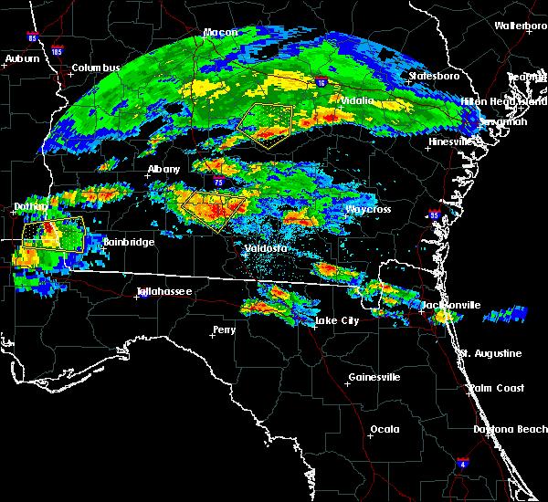 Radar Image for Severe Thunderstorms near Adel, GA at 4/8/2020 8:03 PM EDT