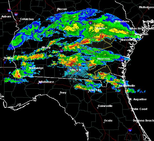 Radar Image for Severe Thunderstorms near Homerville, GA at 4/8/2020 8:32 PM EDT