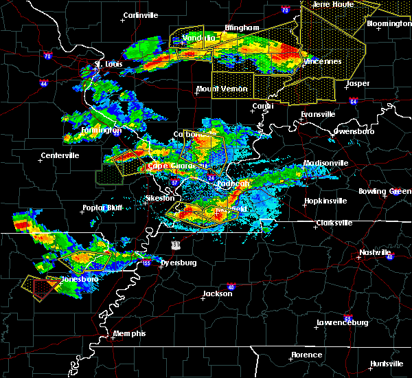 Radar Image for Severe Thunderstorms near Water Valley, KY at 4/8/2020 7:47 PM CDT