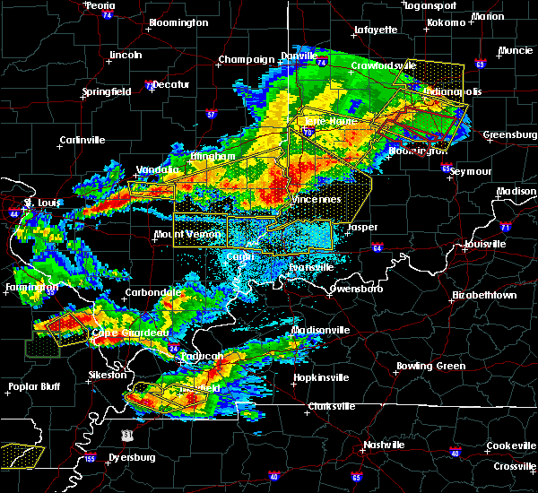 Radar Image for Severe Thunderstorms near Kinmundy, IL at 4/8/2020 7:56 PM CDT