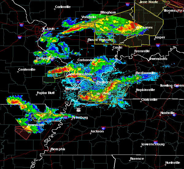 Radar Image for Severe Thunderstorms near Olive Branch, IL at 4/8/2020 7:58 PM CDT