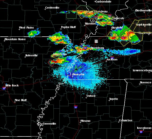 Radar Image for Severe Thunderstorms near Dyersburg, TN at 4/8/2020 8:36 PM CDT