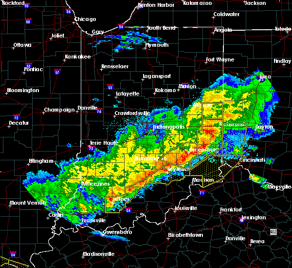 Radar Image for Severe Thunderstorms near Richmond, IN at 4/8/2020 9:51 PM EDT