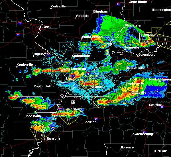 Radar Image for Severe Thunderstorms near Lowes, KY at 4/8/2020 9:24 PM CDT