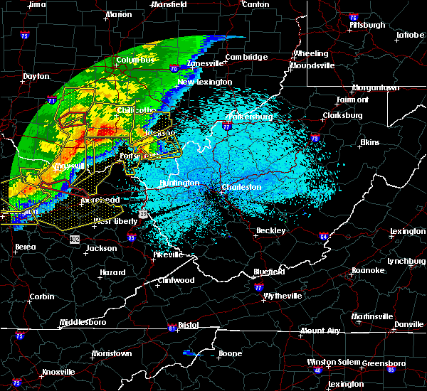 Radar Image for Severe Thunderstorms near Gallipolis, OH at 4/8/2020 11:44 PM EDT