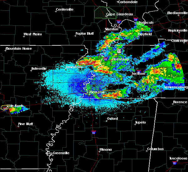 Radar Image for Severe Thunderstorms near Blytheville, AR at 4/8/2020 10:51 PM CDT