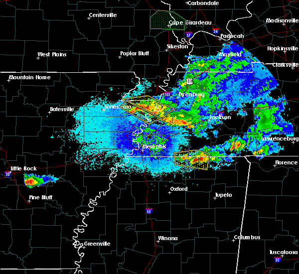 Radar Image for Severe Thunderstorms near Blytheville, AR at 4/8/2020 11:16 PM CDT