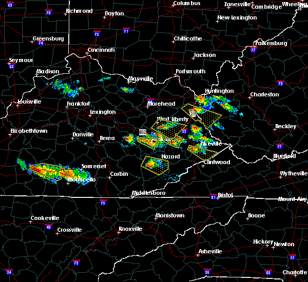 Radar Image for Severe Thunderstorms near Pikeville, KY at 6/25/2015 7:11 PM EDT