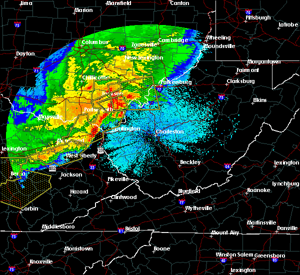 Radar Image for Severe Thunderstorms near Blennerhassett, WV at 4/9/2020 12:27 AM EDT