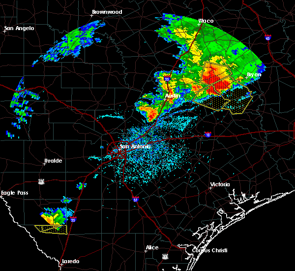 Radar Image for Severe Thunderstorms near Kyle, TX at 4/9/2020 3:51 PM CDT