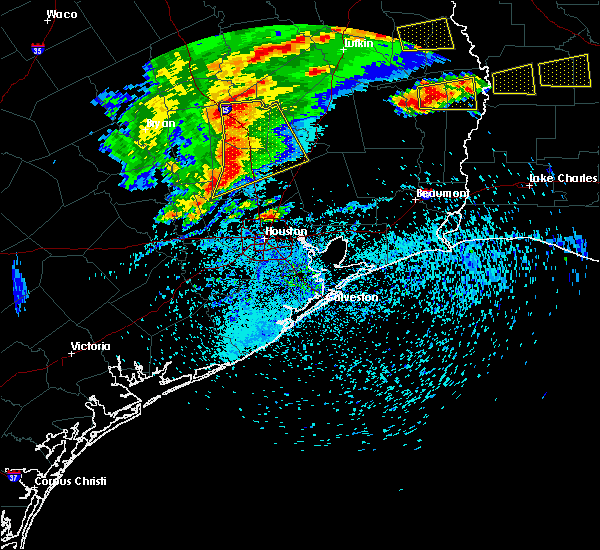 Radar Image for Severe Thunderstorms near Oakhurst, TX at 4/9/2020 5:41 PM CDT