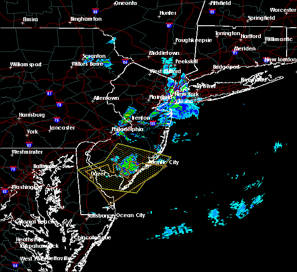 Radar Image for Severe Thunderstorms near Sea Isle City, NJ at 4/10/2020 12:51 AM EDT