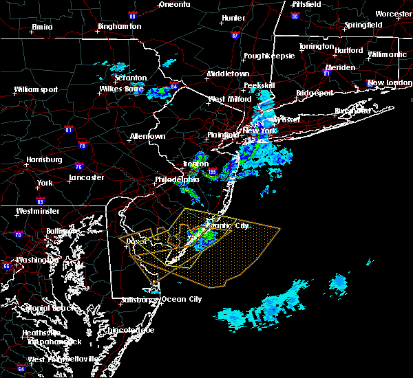 Radar Image for Severe Thunderstorms near Sea Isle City, NJ at 4/10/2020 1:10 AM EDT