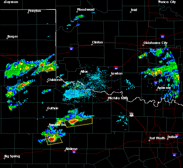 Radar Image for Severe Thunderstorms near Dodson, TX at 4/11/2020 4:54 PM CDT