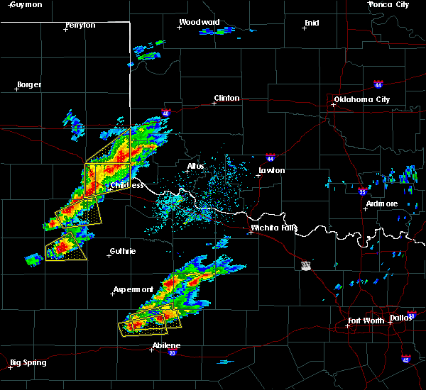 Radar Image for Severe Thunderstorms near Dodson, TX at 4/11/2020 6:01 PM CDT