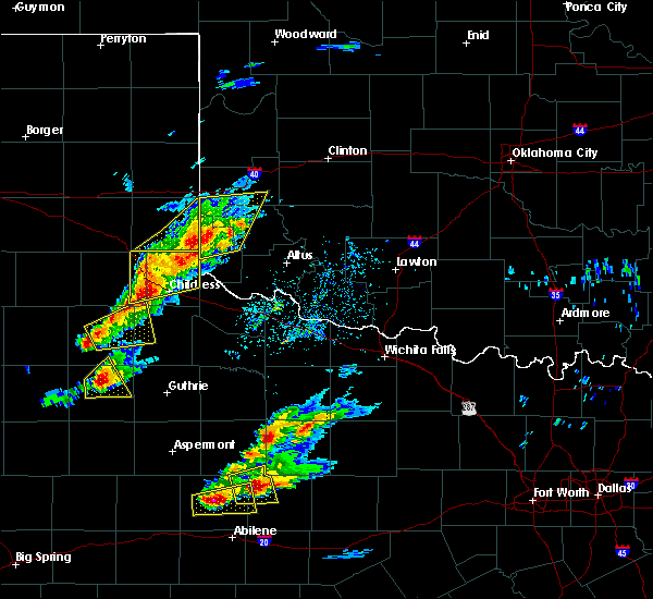 Radar Image for Severe Thunderstorms near Hollis, OK at 4/11/2020 6:14 PM CDT