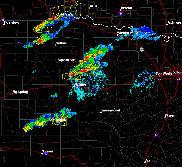Radar Image for Severe Thunderstorms near Woodson, TX at 4/11/2020 6:21 PM CDT