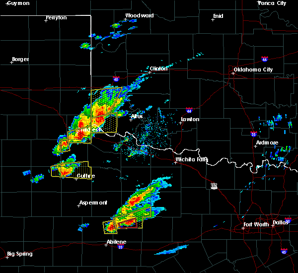 Radar Image for Severe Thunderstorms near Hollis, OK at 4/11/2020 6:41 PM CDT