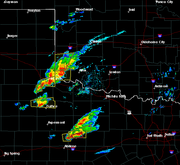 Radar Image for Severe Thunderstorms near Quanah, TX at 4/11/2020 6:49 PM CDT