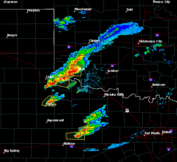 Radar Image for Severe Thunderstorms near Quanah, TX at 4/11/2020 7:25 PM CDT