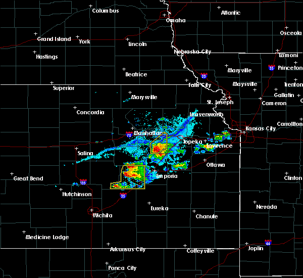 Radar Image for Severe Thunderstorms near Eskridge, KS at 4/11/2020 7:30 PM CDT