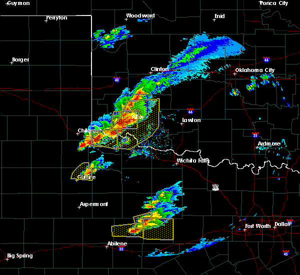 Radar Image for Severe Thunderstorms near Chillicothe, TX at 4/11/2020 7:31 PM CDT