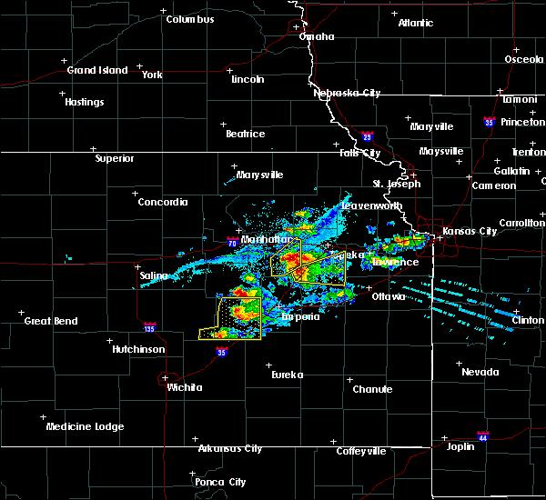 Radar Image for Severe Thunderstorms near Strong City, KS at 4/11/2020 7:40 PM CDT